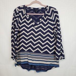 Lucky brand Women's blouse Chevron print blue sz L